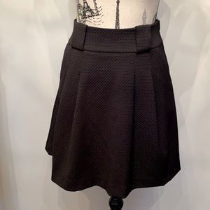 New without tags textured H&M mini skirt size 4